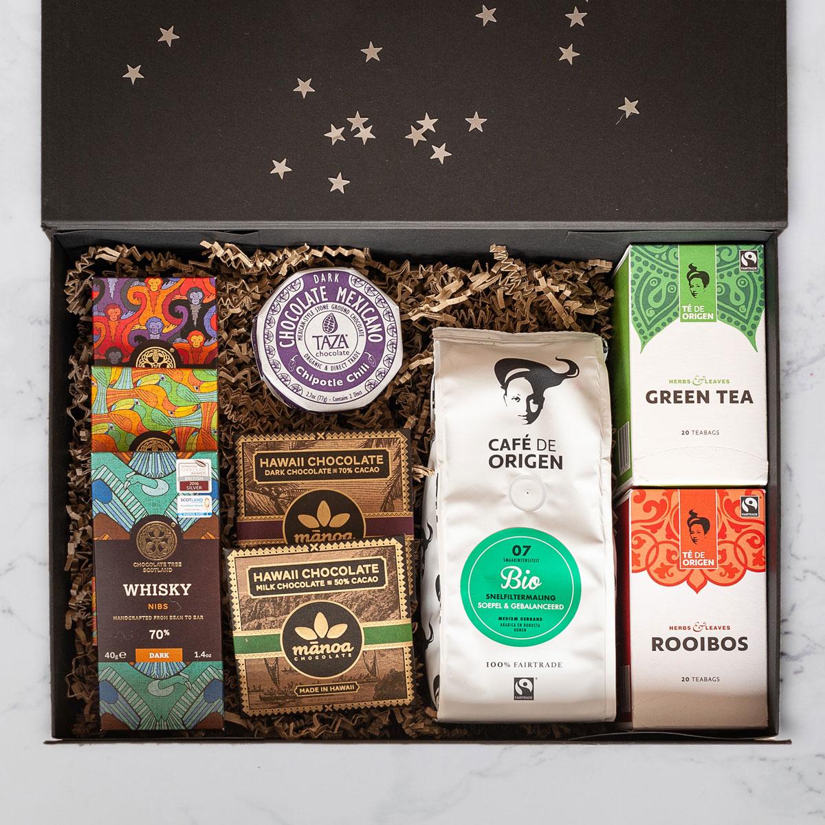 Chocolademeisjes pakket, met duurzame chocolade, koffie en thee.