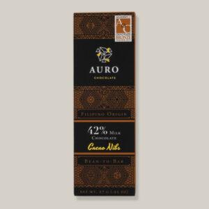 Auro melkchocolade met cacao nibs